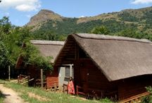 Mantenga Reserve / Mantenga is situated in the middleveld and is an ideal starting point to your holiday.  Stay in chalets have have traditional food cooked for you as well as watching the traditional dancing done in the nearby village.