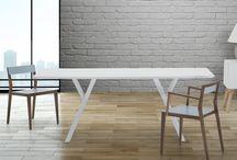 Eetkamer / Hier vind je inspiratie voor moderne en stijlvolle eetkamers en hoe je deze look kunt creëren met onze betaalbare meubels