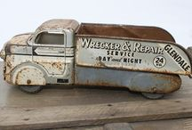 "DECOR: vintage and ""trash to treasure"" / by Kristina Johnson"