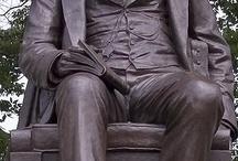 patung duduk