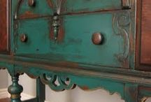 Furniture re-dos / by Julie Bergeron