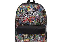 táskák, iskolai cuccok