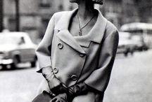 vintage années 50/60 / Robe cintrées ou coupe droite. Jupe longue un coté de femme fatale et pin-up.