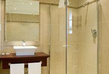 bathroom ideas for small space / by Christine Gero Horovitz