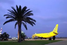 Aeropuerto Murcia-San Javier / El aeropuerto de Murcia-San Javier se encuentra situado en la ribera norte del Mar Menor, en la pedanía de Santiago de la Ribera, perteneciente al municipio de San Javier. Es una base aérea abierta al tráfico civil. http://ow.ly/GwUPo