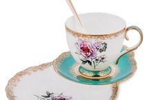 Чайные пары из костяного фарфора PAVONE luxury / Компания Pavone имеет несколько фарфоровых заводов в Италии и Китае. Все заводы используют одну и ту же технологию производства и единую систему контроля качества. Основным материалом является твердый белый фарфор, секрет изготовления которого был открыт в Европе в XVIII веке.