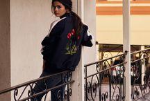 Selena sendo o que ela já é (linda)