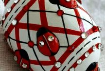 CHR : Red - Black - White Christmas.