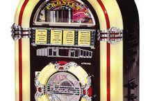 Jukebox Retro / #jukeboxretro #thecrazyfifties #decoracionretro #mobiliarioretrodineramericano