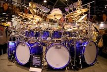 Drummers and drum sets / Drummers and drum sets