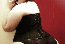Corsets /w Plus Sized Curves / /w Plus Sized Curves