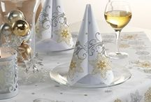 Winter Entertaining / Food, decor, and hospitality ideas for winter holiday entertaining.