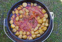 Grillen und anderes Essen in froher Runde