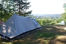 Camping Les Pastourels, Périgord Dordogne / Accueillant, familial, calme et ombragé, le #camping bénéficie d'une situation privilégiée au coeur du Périgord noir et dispose d'une vue imprenable sur la vallée de la #Dordogne.
