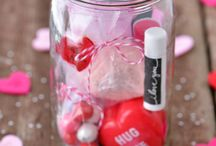 """Mason Jar Valentines Ideas / What says """"I love you"""" more than Mason jar Valentines gifts? No, really, there are Mason jar gifts that are perfect for all occasions including the most romantic. This board has some of my fav Mason jar Valentines ideas for him & her. I guarantee you'll find a Mason jar Valentines Day idea here that fits your skills & budget!   For more Mason jar ideas visit: http://masonjarbreakfast.com/."""