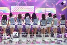 Snsd (Oh! , Run devil run) on stage
