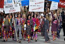 PROTESTA SHOW SULLA PASSERELLA CHANEL:  COCO NE SAREBBE STATA ORGOGLIOSA / E' questa la prima cosa che ho pensato quando ho visto le immagini della sfilata realizzata da Karl Lagerfeld durante la Paris Fashion Week. Coco ne sarebbe stata orgogliosa.