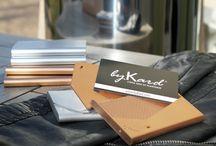 La gamme Métal / Pour sécuriser vos cartes de paiement sans contact de la fraude et de la démagnétisation, byKard lance la gamme métal... L'étui est recouvert d'aluminium finition cuivre ou titanium, le métal limite le passage des ondes RFID A découvrir sur bykard.com