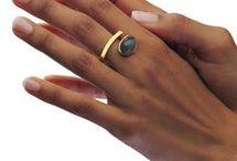 Angela Hubel rings / zwevende ringen