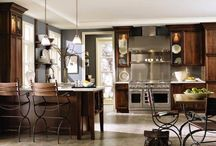 Traditional Living / Feel welcomed and at home with traditional pieces and decor to give your home the timeless look