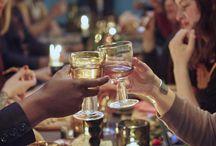 Грандиозен всеки ден / Лимитираната колекция SITTNING събира разнообразие от над 40 продукта, създадени с една проста цел - да отпразнуват радостта от споделената с любимите хора трапеза. За да ни напомни, че обикновеният четвъртък може да се превърне в един необикновен празник. Ти кого би поканил на вечеря довечера?
