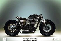 New School Naked / A modern look at naked motorcycles