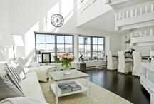 Livingrooms / by Ev