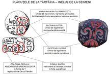 Tărtăria - Seimeni / Tăbliţele de la Tărtăria erau utilizate în diferite practici religioase şi ritualuri de trecere şi întemeiere importante din Vechea Europă.
