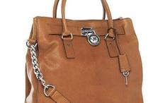 Carteras, clutchs y bolsos