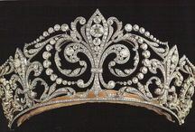 ROYAL JEWELS & TIARAS / by Beth Hans