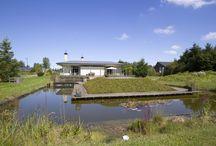 Groene Velden 216 Lelystad, vraagprijs €947.500,- k.k. / Royaal wonen, ondernemen en genieten. Groene Velden 216 in Lelystad heeft het allemaal! Gelegen nabij het Zuigerplasbos en het IJsselmeer biedt deze ruime bungalow legio mogelijkheden.  Geniet van de ruime woning, living en de riante tuin met vijver, boomgaard en mogelijkheid voor een zwembad. Onderneem in de werkkamer, ontvang uw cliënten en facilitair uw gasten met parkeergelegenheid op eigen terrein.  Interesse? Neem contact met ons op:  groenevelden216.lelystad@gmail.com tel. 0320-227292