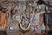 Beauty&Accessories / by Nanu Baridon