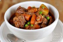 FOOD - Slow Cooker/Freezer Recipes / by Jodi Baird Jocole Patterns