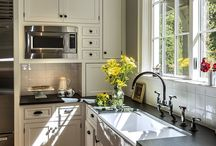 KITCHEN / So many ideas for our someday kitchen remodel! Farmhouse sinks, terra cotta tiles, dark cabinets, vintage stoves and more!