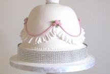 Cake.....Dress !!!!!!!!!!! / by Tânia Sarú