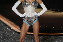 Victoria Secret Fashion Show 2009 - Romantic Journey
