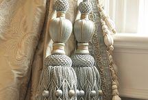 Tassels & Embrasses / Embrasses & Tassels  kun je op vele manieren toepassen in je huis.