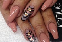 OBESSION OF NAILS