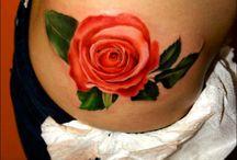 Ros tatuering