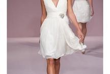 Dresses / by Iliana de la Cruz