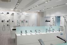 Showroom Barcelona / ¡Date una vuelta por nuestro showroom de Barcelona! Descubre lo último en baños y cocinas y disfruta de una atención personalizada.