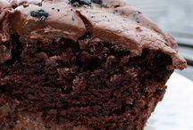 Cakes / by Miranda Roy Mann