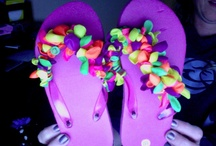 flip flops / Just a fun way to decorate your flip flops for the summer.  Tie balloons double knotted onto the band of the flip flop and you have a new design for the summer. / by Hallie Koppang