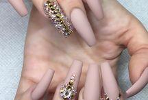 nails!makeup!hair