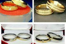 "cincin / Cincin couple bisa di ukir nama.. 50rb/pcs, 90rb/pasang ""2biji"" Cincin BAHAN SPESIAL ➡Kuningan Lapis Emas (disepuh Emas Asli 24karat) ➡Monel Stainless Steel (warna Silver) ➡Tahan Lama, & Dapat Disepuh Ulang (khusus yg lapis emas) ➡Anti Karat ➡Sangat Aman di Kulit Kuning lapis emas 100rb/pcs Silver monelstenlis   50rb/pcs ☏ KONTAK ➡BBM Sutri : 5E8C0590  ➡BBM Rio   : 5847F227 ➡Telp/SMS/WA: +6281296900530  Selamat Berbelanja :)"