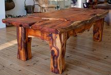 Drevený stol