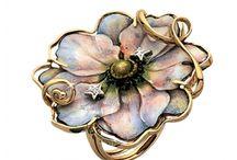 Jewellery: Gabriella Rivalta