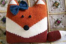 Вязаные подушки, пледы, прихватки... / Что можно связать для уюта в доме? Knitted pillows and blankets. #подушкиспицами #пледыспицами