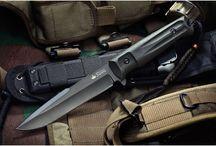 Военные ножи / Во все времена военные ножи вызывали особый интерес у знатоков и коллекционеров. Высококачественные реплики легендарных финок станут достойным украшением любой коллекции даже самого привередливого найфера.