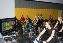 Strefa Cardio / Trening Cardio to jeden z najpopularniejszych sposobów na zrzucenie zbędnych kilogramów oraz poprawienie  kondycji organizmu. Jest to najodpowiedniejsze miejsce, by przed treningiem siłowym zrobić doskonałą rozgrzewkę. Więcej na http://www.squashkort.com.pl/strefa-cardio.html